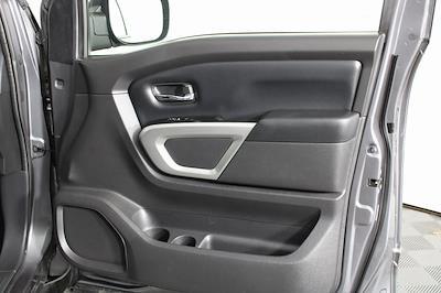 2018 Nissan Titan King Cab 4x4, Pickup #D219232A - photo 19
