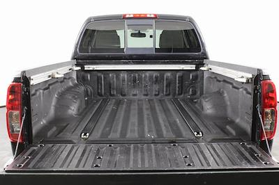 2016 Nissan Frontier Crew Cab 4x4, Pickup #D501449A - photo 7