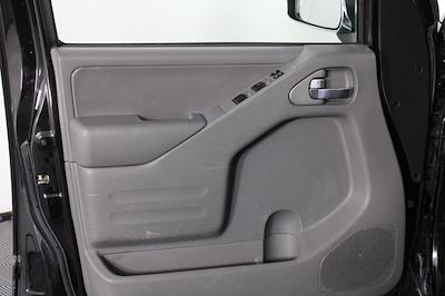 2016 Nissan Frontier Crew Cab 4x4, Pickup #D501449A - photo 8