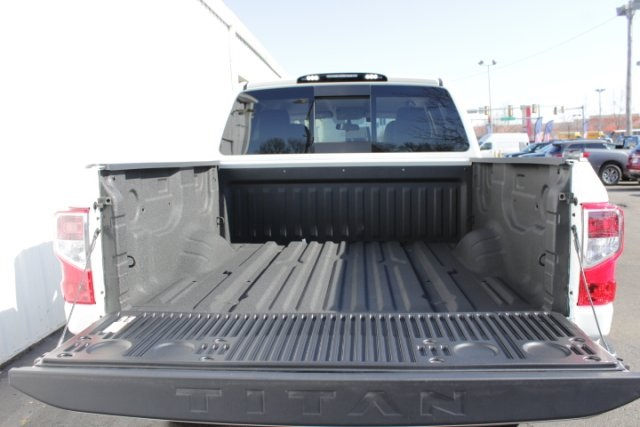 2019 Titan Crew Cab 4x4,  Pickup #D505676 - photo 6