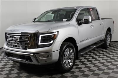 2020 Nissan Titan Crew Cab 4x4, Pickup #D507321 - photo 5
