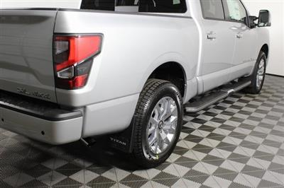 2020 Nissan Titan Crew Cab 4x4, Pickup #D507321 - photo 2