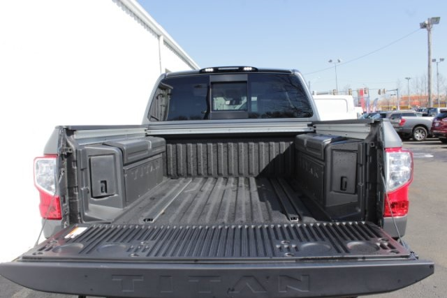 2019 Titan Crew Cab 4x4,  Pickup #D509698 - photo 6
