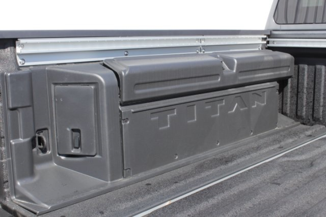 2019 Titan Crew Cab 4x4,  Pickup #D509698 - photo 7