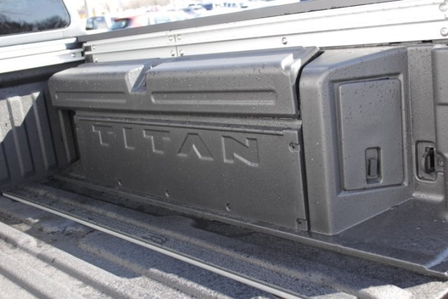 2019 Titan Crew Cab 4x4,  Pickup #D509698 - photo 8