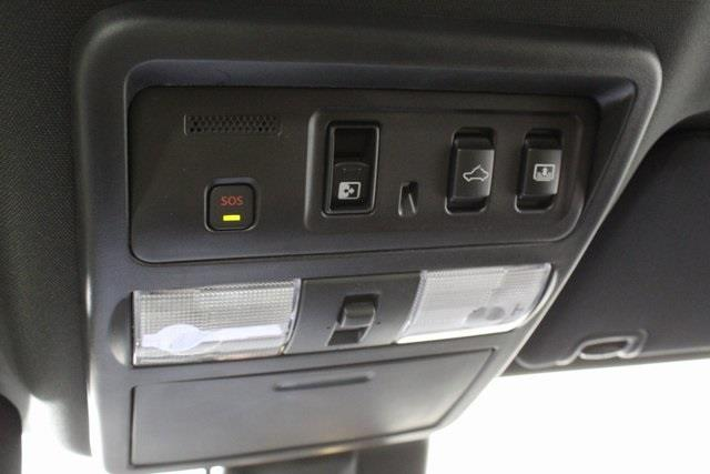 2020 Nissan Titan Crew Cab, Pickup #D511974 - photo 22