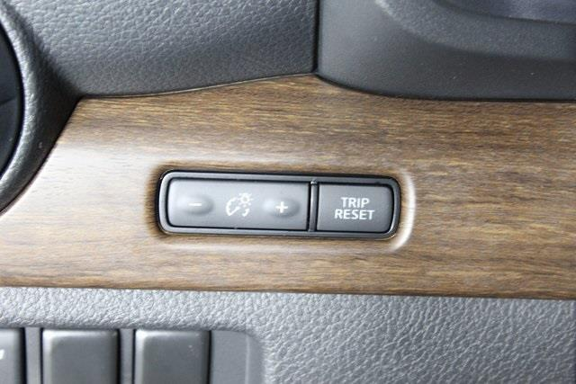 2020 Nissan Titan Crew Cab, Pickup #D511974 - photo 29