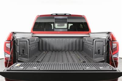 2020 Nissan Titan Crew Cab, Pickup #D511974 - photo 8
