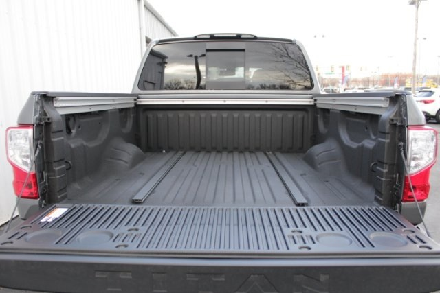 2019 Titan Crew Cab 4x4,  Pickup #D514802 - photo 16