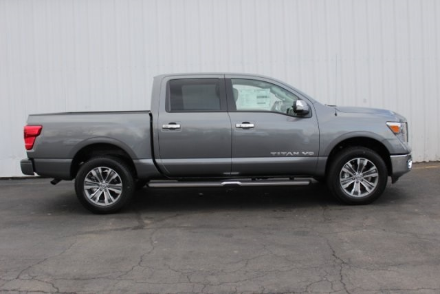 2019 Titan Crew Cab 4x4,  Pickup #D514802 - photo 3