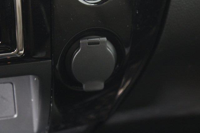 2021 Nissan Titan 4x4, Pickup #D516688 - photo 28
