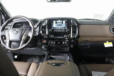 2021 Nissan Titan 4x4, Pickup #D516688 - photo 17