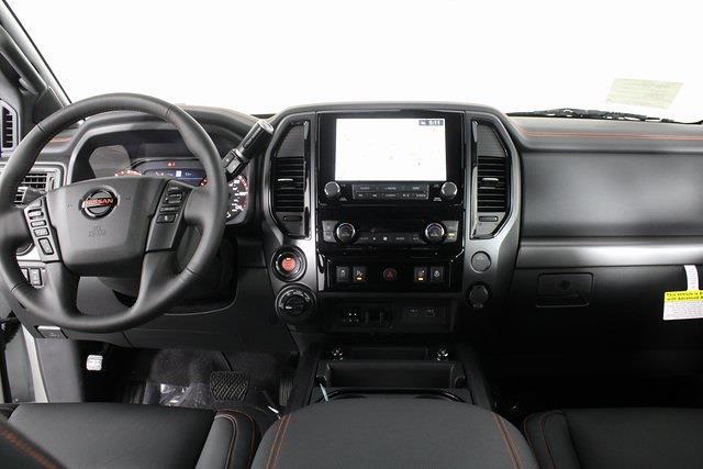 2021 Nissan Titan 4x4, Pickup #D517235 - photo 15
