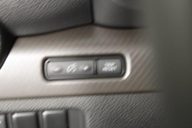2021 Nissan Titan 4x4, Pickup #D517235 - photo 33