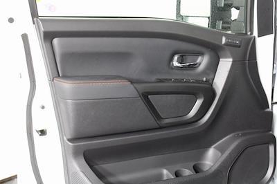 2021 Nissan Titan 4x4, Pickup #D517235 - photo 11