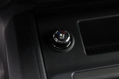 2021 Nissan Titan 4x4, Pickup #D517235 - photo 25