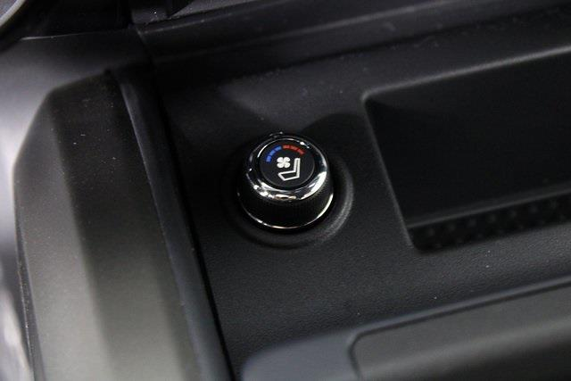 2021 Nissan Titan 4x4, Pickup #D517257 - photo 23