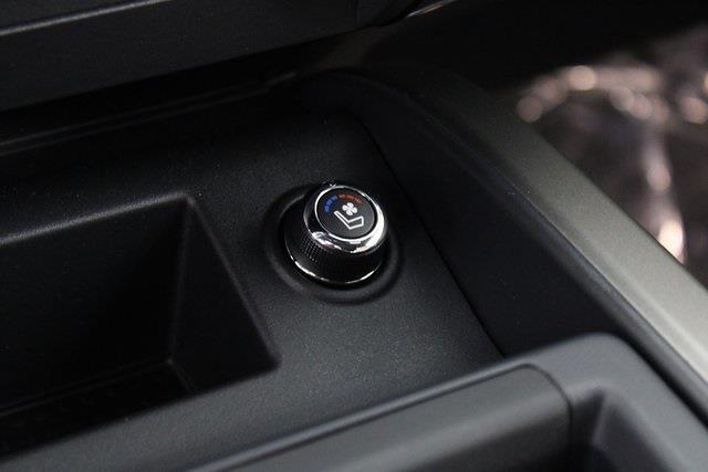 2021 Nissan Titan 4x4, Pickup #D517257 - photo 24