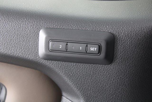 2021 Nissan Titan 4x4, Pickup #D517257 - photo 36
