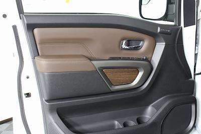 2021 Nissan Titan 4x4, Pickup #D517257 - photo 11