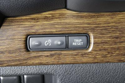 2021 Nissan Titan 4x4, Pickup #D517257 - photo 34