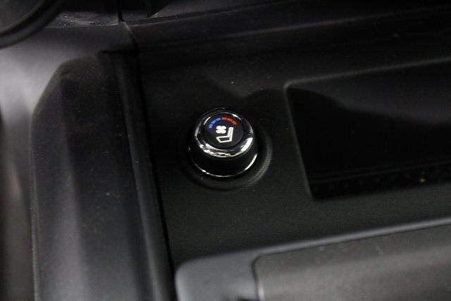 2021 Nissan Titan 4x4, Pickup #D520091 - photo 22