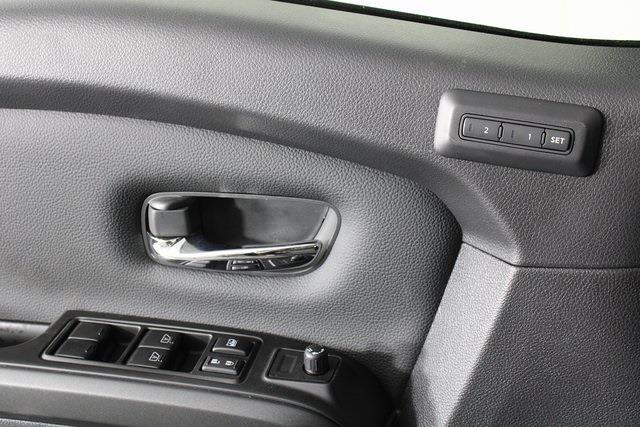 2021 Nissan Titan 4x4, Pickup #D520091 - photo 32