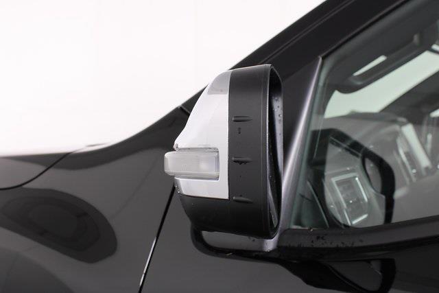 2021 Nissan Titan 4x4, Pickup #D520396 - photo 11