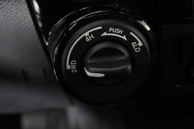 2021 Nissan Titan 4x4, Pickup #D520396 - photo 24