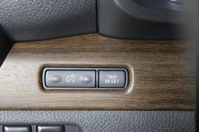 2021 Nissan Titan 4x4, Pickup #D520396 - photo 32