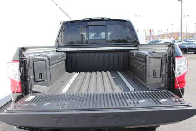 2019 Titan Crew Cab 4x4,  Pickup #D520842 - photo 6