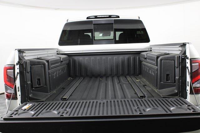 2021 Nissan Titan 4x4, Pickup #D521950 - photo 8