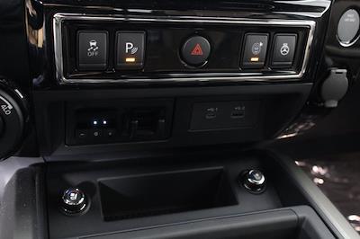 2021 Nissan Titan 4x4, Pickup #D521950 - photo 25