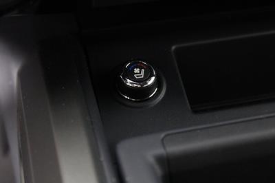 2021 Nissan Titan 4x4, Pickup #D521950 - photo 26