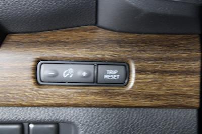 2021 Nissan Titan 4x4, Pickup #D521950 - photo 35