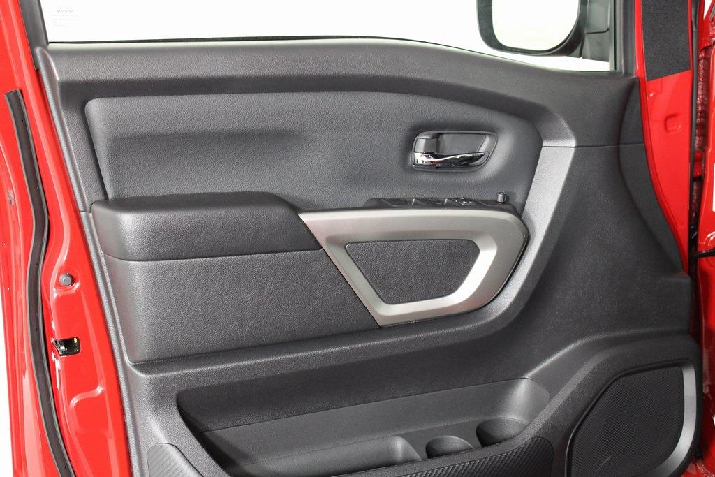 2021 Nissan Titan 4x4, Pickup #D525533 - photo 9