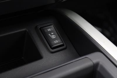 2021 Nissan Titan 4x4, Pickup #D525533 - photo 22