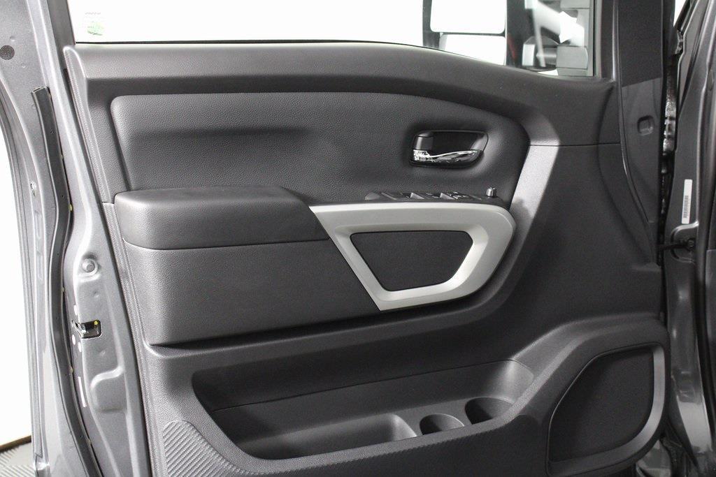 2021 Nissan Titan 4x4, Pickup #D525672 - photo 10