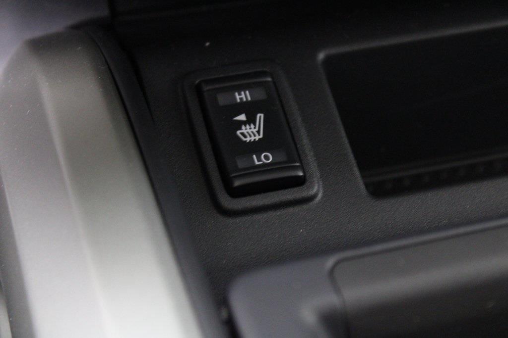 2021 Nissan Titan 4x4, Pickup #D525672 - photo 22