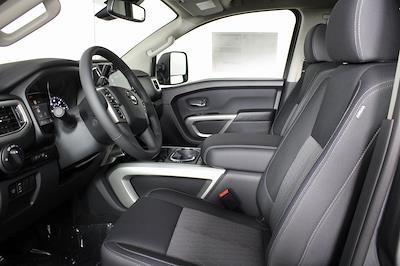 2021 Nissan Titan 4x4, Pickup #D525672 - photo 12