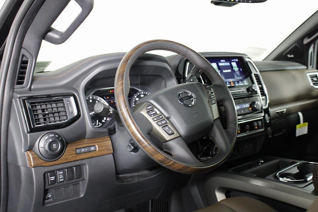 2021 Nissan Titan 4x4, Pickup #D525883 - photo 10