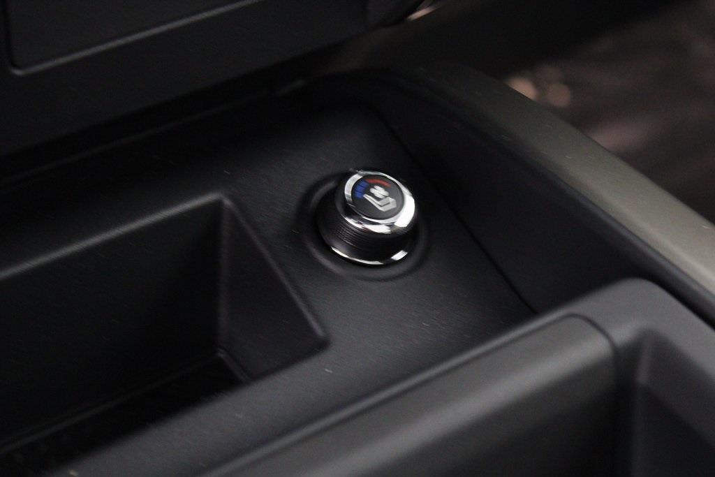 2021 Nissan Titan 4x4, Pickup #D525883 - photo 24