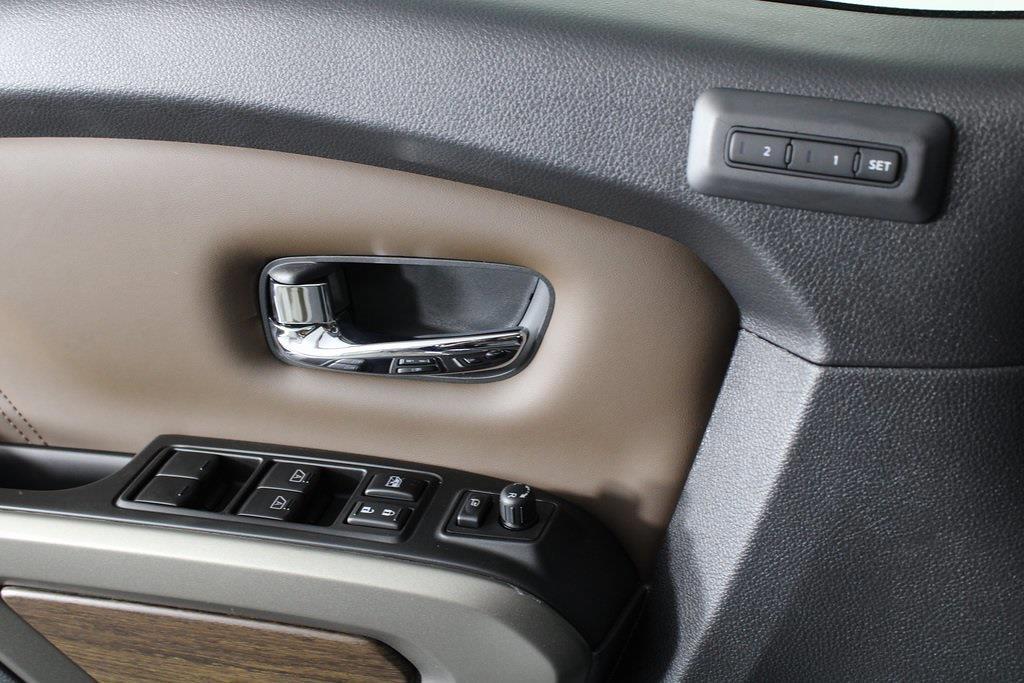 2021 Nissan Titan 4x4, Pickup #D525883 - photo 32