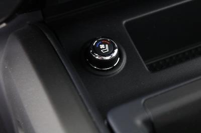 2021 Nissan Titan 4x4, Pickup #D525883 - photo 25