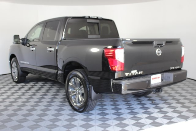 2019 Titan Crew Cab 4x4,  Pickup #D529036 - photo 2