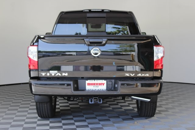 2019 Titan Crew Cab 4x4,  Pickup #D529036 - photo 6