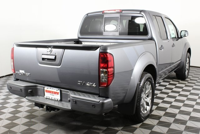 2020 Nissan Frontier Crew Cab 4x4, Pickup #D709731 - photo 2