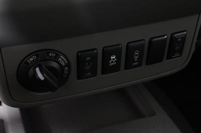 2020 Nissan Frontier Crew Cab 4x4, Pickup #D710204 - photo 16