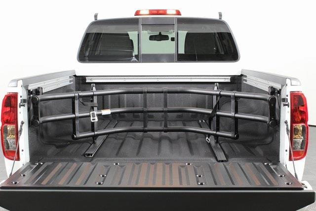 2020 Nissan Frontier Crew Cab 4x4, Pickup #D711564 - photo 2