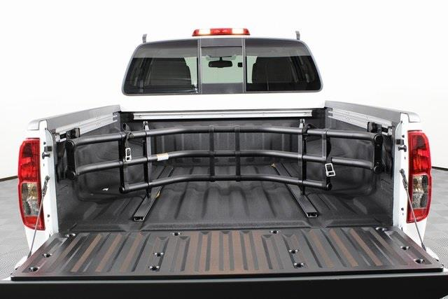 2020 Nissan Frontier Crew Cab 4x4, Pickup #D716288 - photo 6